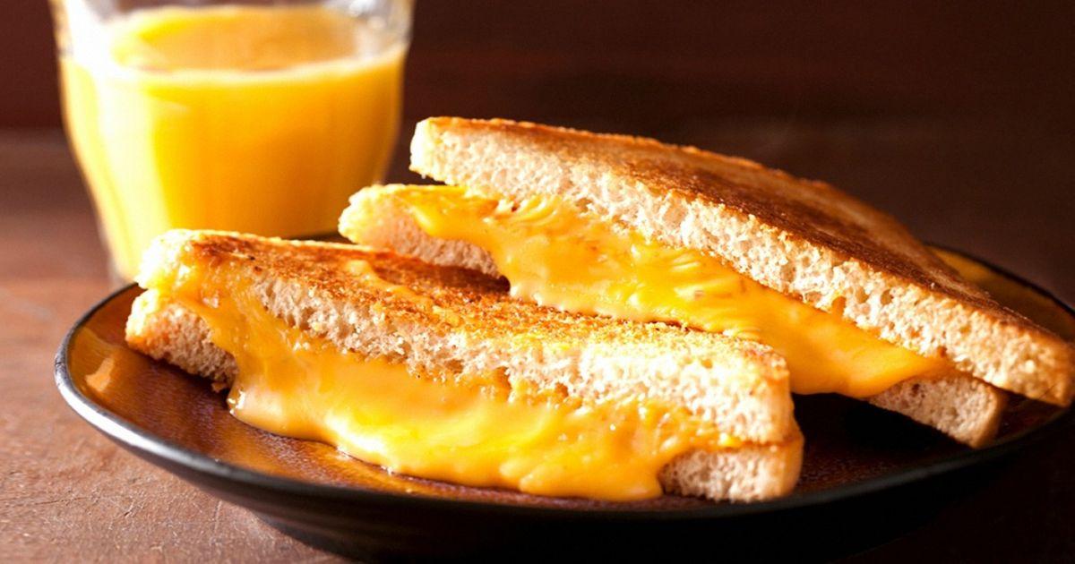 Pesquisas comprovam: aspessoas que amam queijo vivem mais