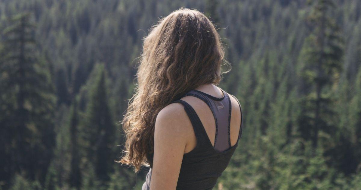 Uma simples meditação para ficar longe demás energias