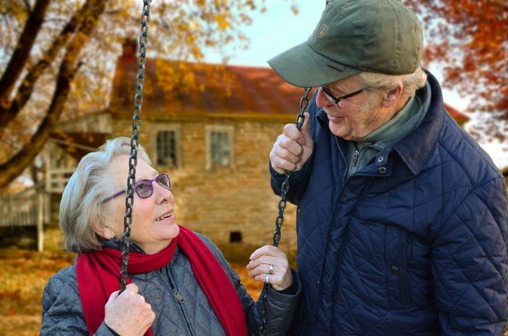 Cientistas afirmam que idosos acompanhados vivem mais