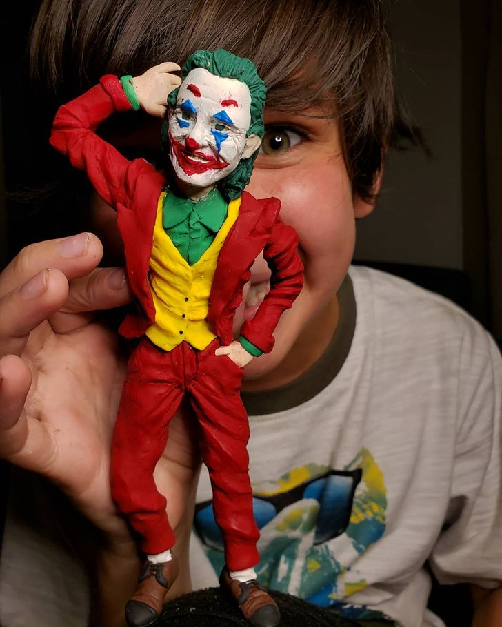 A história do talentoso garoto de 10 anos que faz impressionantes esculturas com massa de modelar