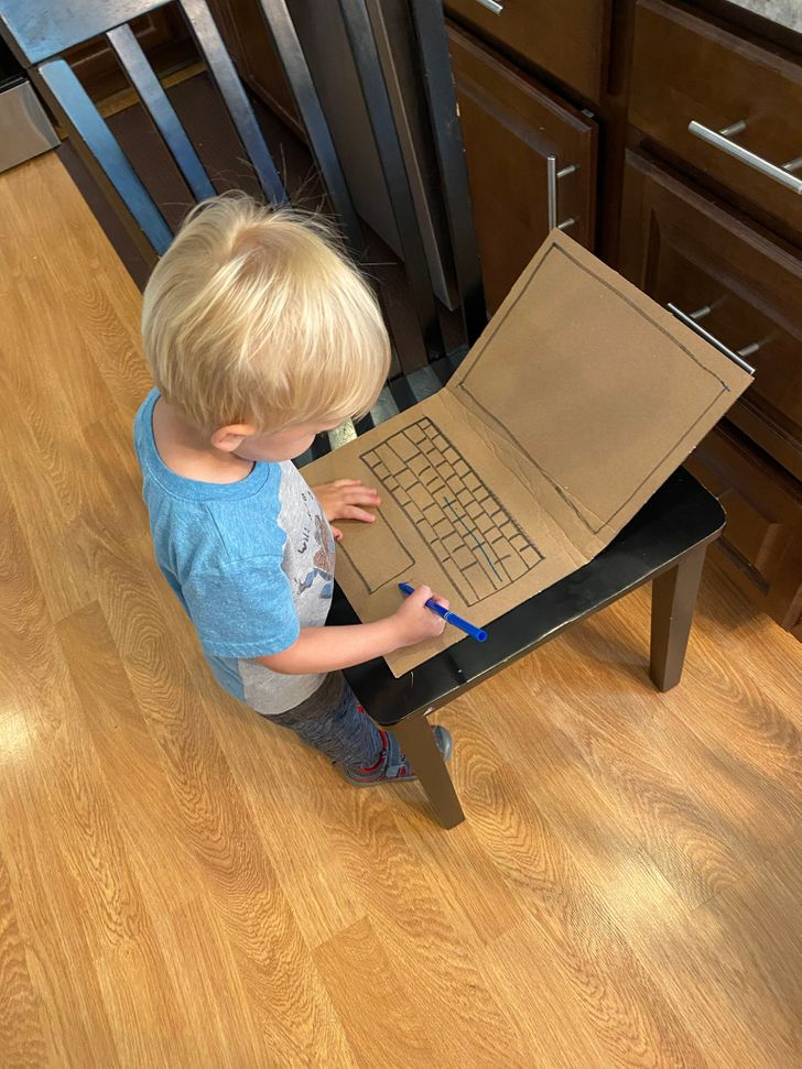15 Pais mostraram a dura (e divertida) realidade de trabalhar em casa com filhos pequenos
