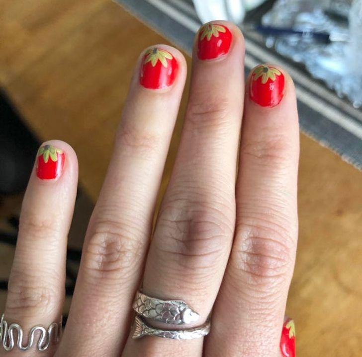 20+ Mulheres que apreciaram suas unhas bem-feitas