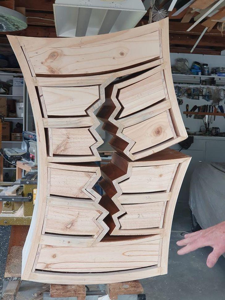 O homem de 70 anos que cria móveis que parecem de contos de fadas nos contou sua história