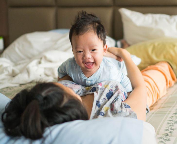 8 Coisas que os pais raramente fazem pela saúde dos bebês e que são benéficas, segundo os médicos