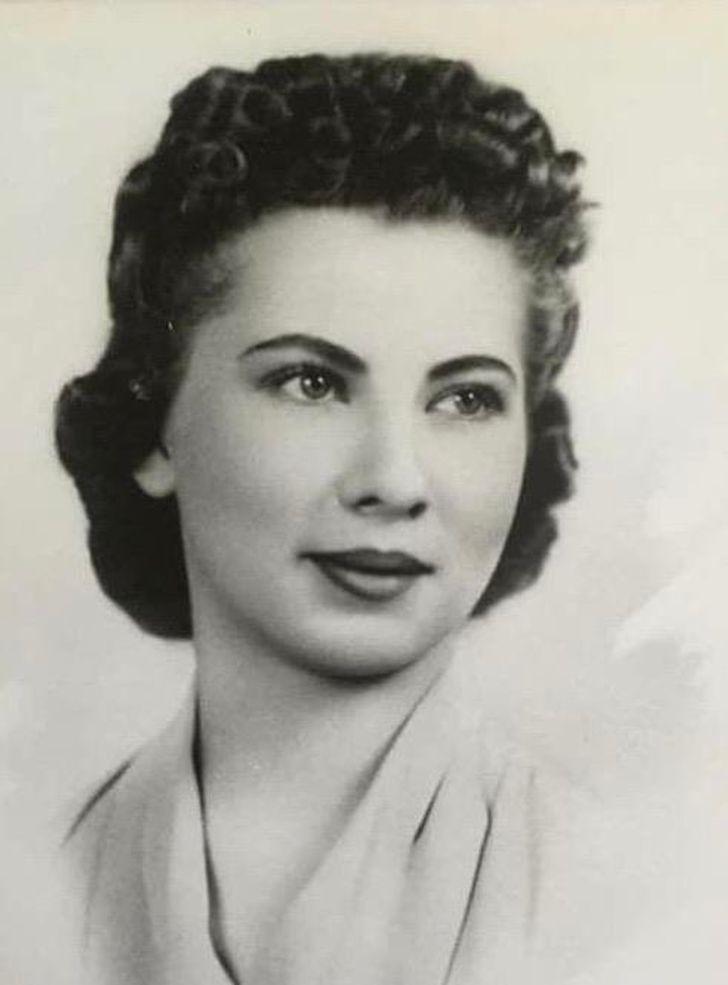 20 Internautas decidiram compartilhar fotos antigas de familiares cuja beleza é digna de estrelas de cinema