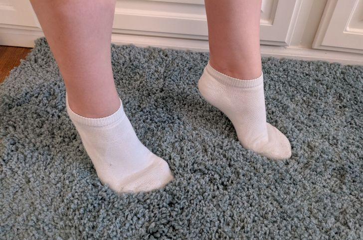 Seu filho anda na ponta dos pés? Saiba o que isso pode significar