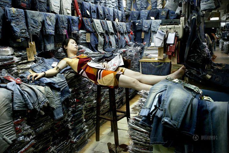 Спящая китаянка