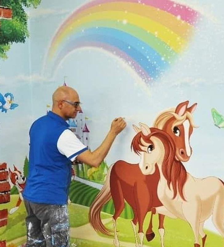 Artista italiano transforma paredes sem graça de hospitais em reinos mágicos para ajudar as crianças a combaterem seus medos